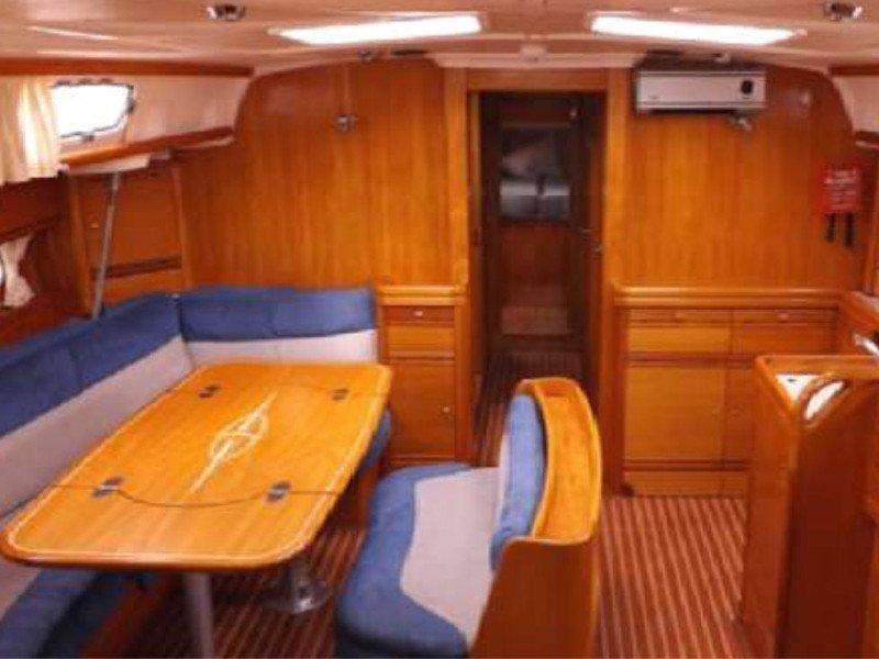 Bavaria 50 Cruiser (Leading Lady) Interior image - 12