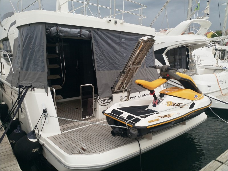 Beneteau S. Trawler 47 (Ocean dreamer (Joystick controller, Jet ski - option with extra charge)) Swift Trawler 47 - 27