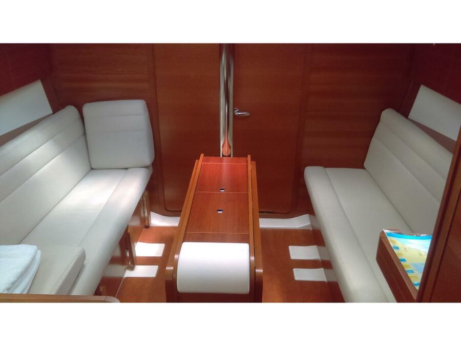 Dufour 350 Grand Large (Sol) Interior image - 1