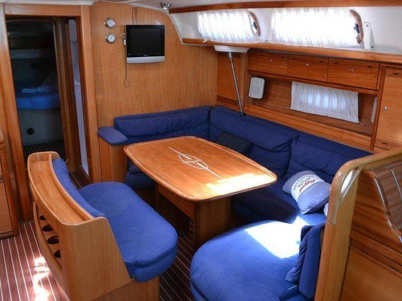 Bavaria 46 Cruiser (Joyful Wind) Interior image - 2