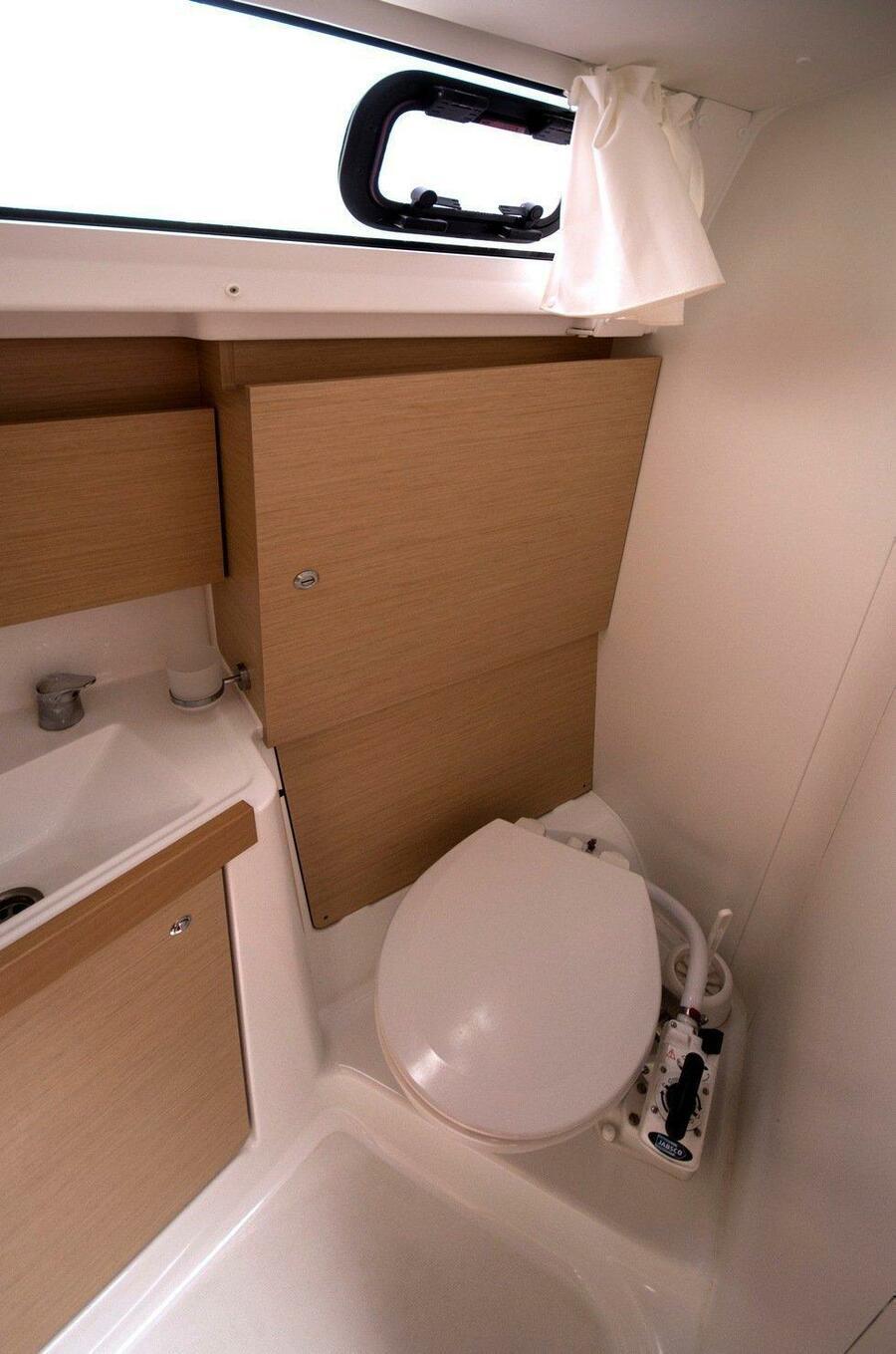 Oceanis 38 (3 cabins) (Lambada) Bath - 1