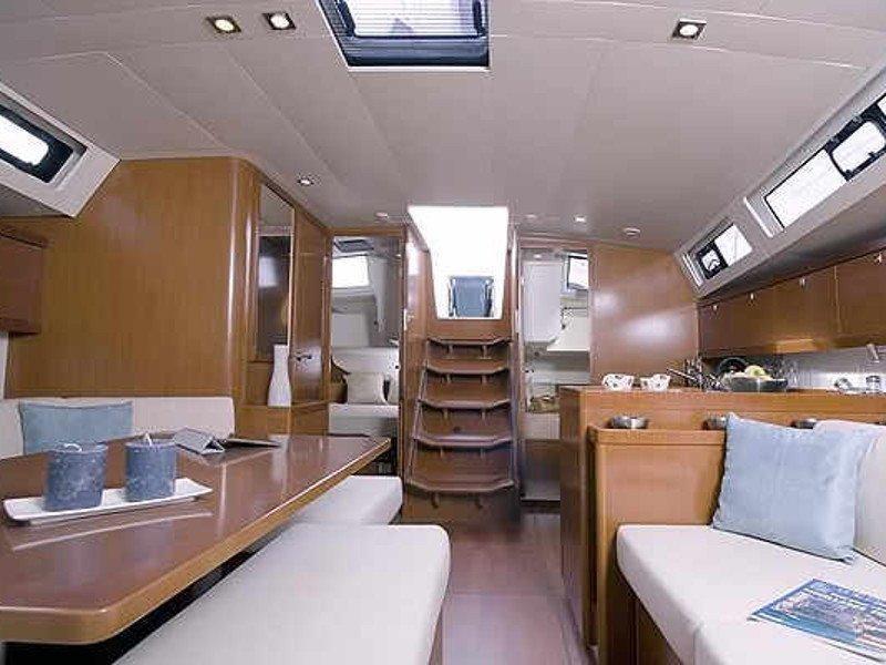 Oceanis 45 (AVALON) Interior image - 1