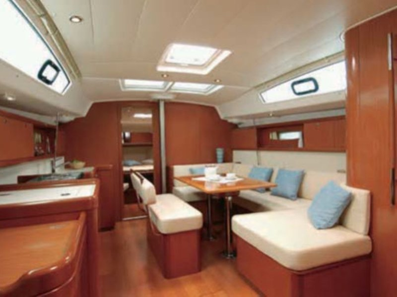Oceanis 43 (High Five) Interior image - 4
