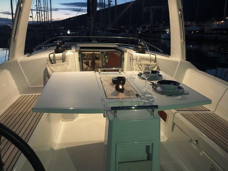 Oceanis 38.1 (Baby Dory AC shore power underwater light blue hull)  - 6