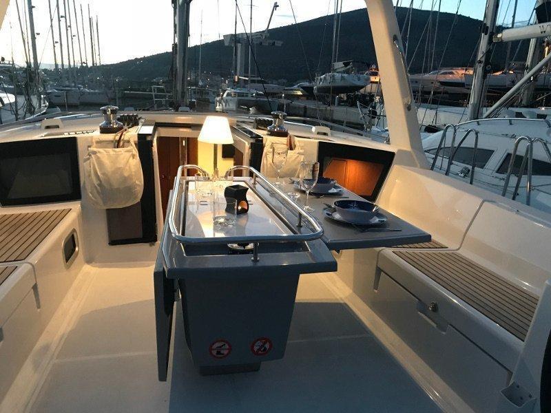 Oceanis 45 (Majka AC,generator,underwater light)  - 15