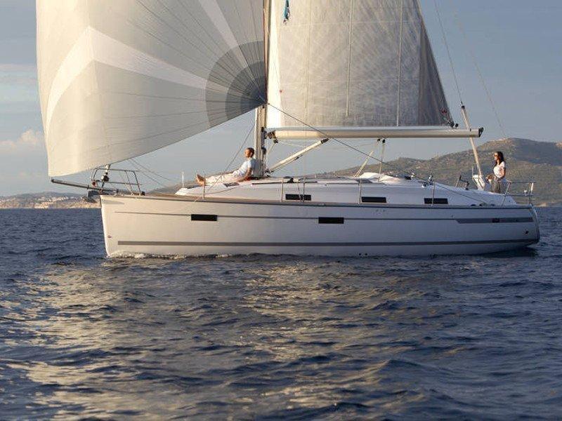 Bavaria Cruiser 36 (Kathy Cool)  - 9