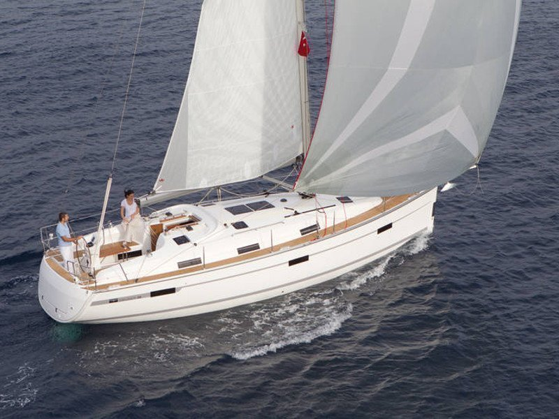 Bavaria Cruiser 36 (Kathy Cool)  - 8