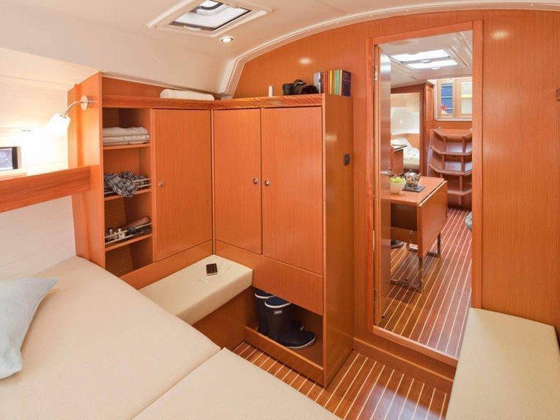 Bavaria Cruiser 36 (Kathy Cool)  - 1