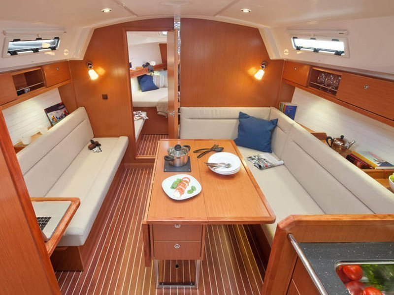 Bavaria Cruiser 36 (Kathy Cool) Interior image - 2