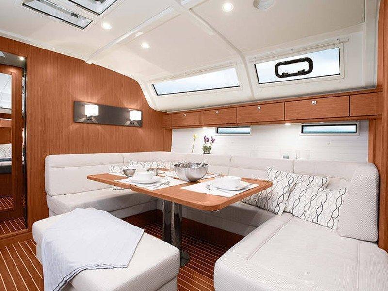 Bavaria Cruiser 51 (Teorema) Interior image - 5