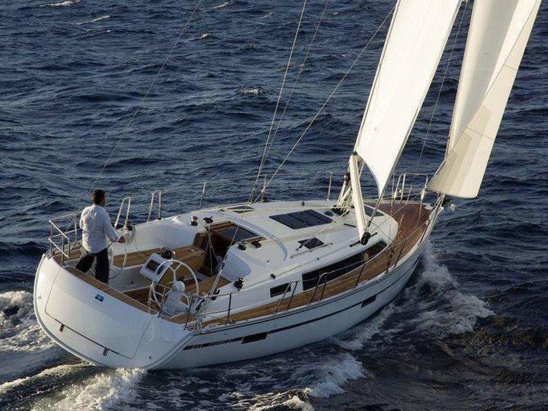 Bavaria Cruiser 37 (Las Cevenas)  - 10