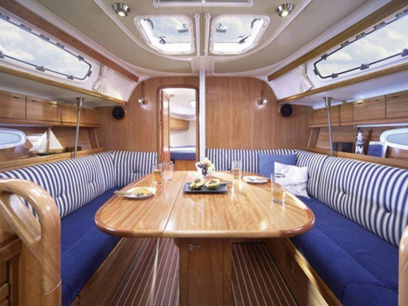 Bavaria 38 Cruiser (Matilde) Interior image - 7