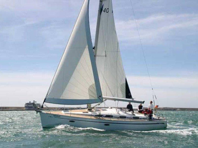 Bavaria 40 Cruiser (Luna)  - 11