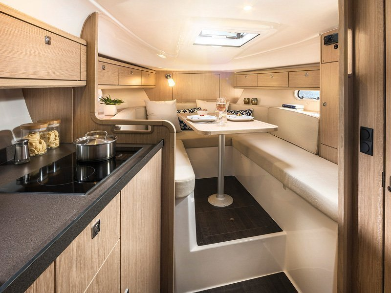 Bavaria S29 OPEN (Spirit of St. Tropez) Interior image - 4