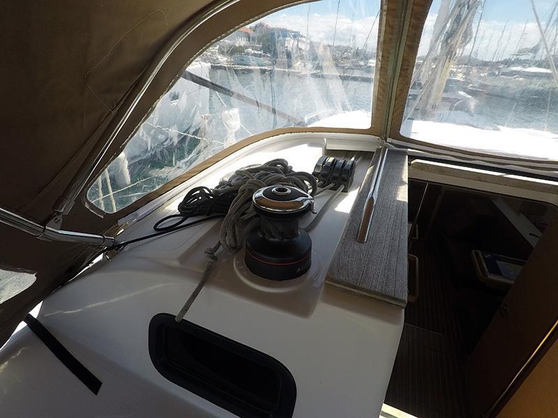 Elan 40 Impression (Silente - Bowthruster, large swimming platform, roll main sail, webasto heating) Elan 40 Impression - 22