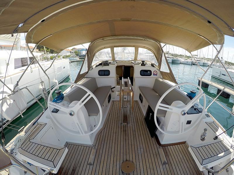 Elan 40 Impression (Silente - Bowthruster, large swimming platform, roll main sail, webasto heating) Elan 40 Impression - 2