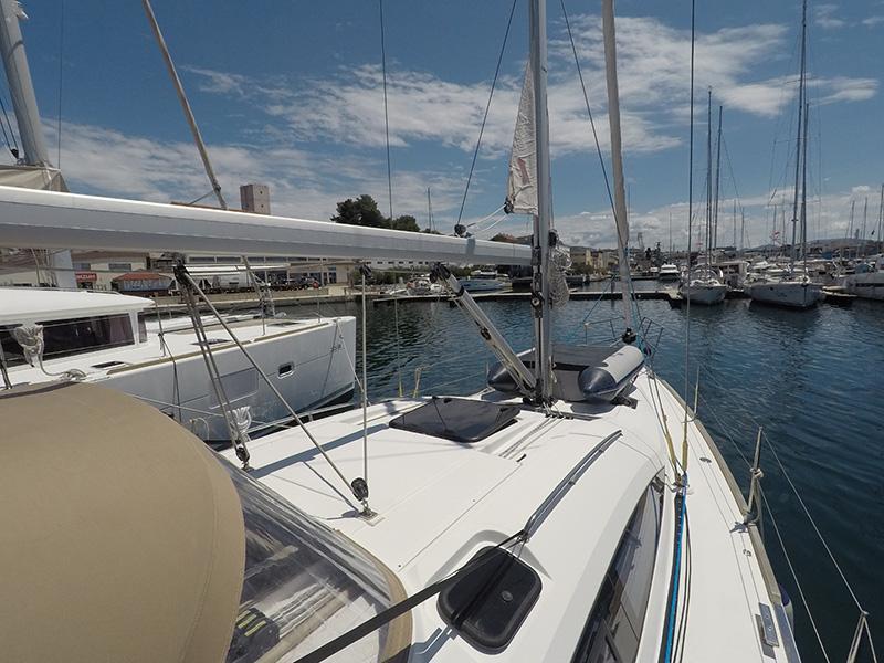 Elan 40 Impression (Silente - Bowthruster, large swimming platform, roll main sail, webasto heating) Elan 40 Impression - 9