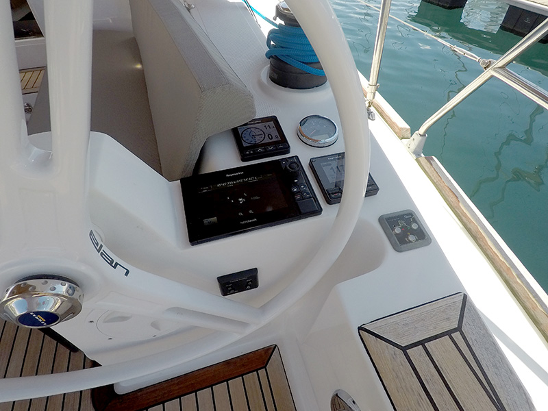 Elan 40 Impression (Silente - Bowthruster, large swimming platform, roll main sail, webasto heating) Elan 40 Impression - 23