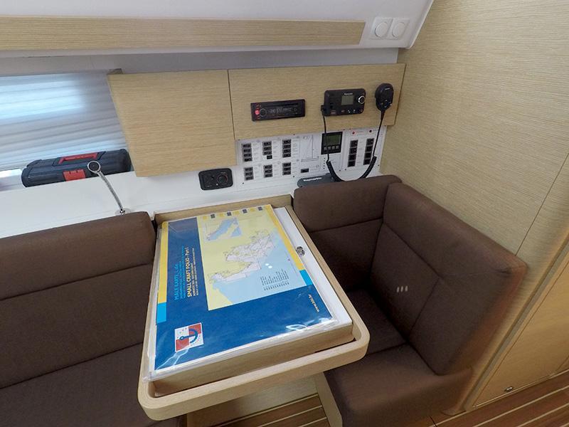 Elan 40 Impression (Silente - Bowthruster, large swimming platform, roll main sail, webasto heating) Elan 40 Impression - 10