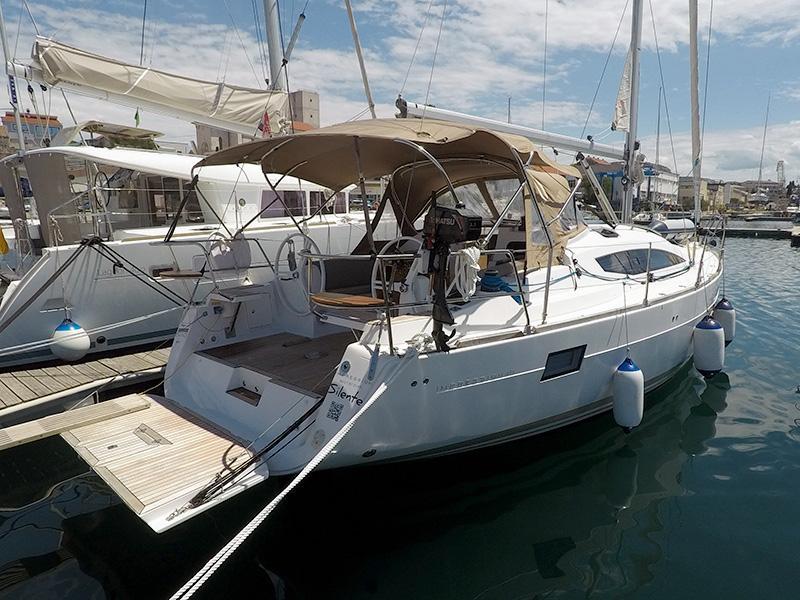Elan 40 Impression (Silente - Bowthruster, large swimming platform, roll main sail, webasto heating) Elan 40 Impression - 8