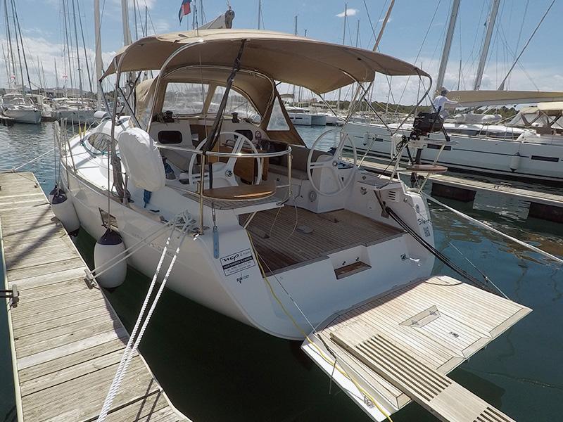 Elan 40 Impression (Silente - Bowthruster, large swimming platform, roll main sail, webasto heating) Elan 40 Impression - 24