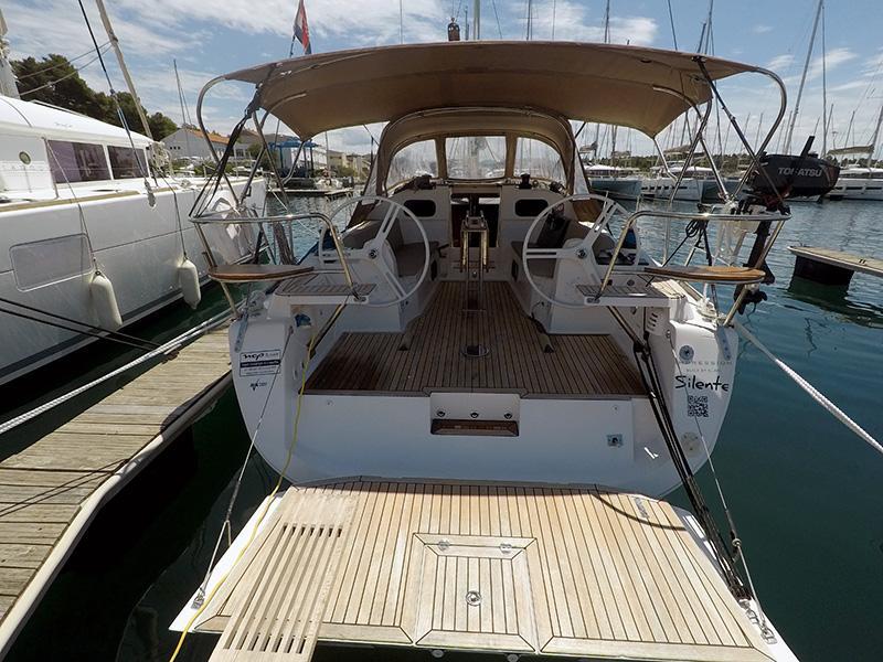 Elan 40 Impression (Silente - Bowthruster, large swimming platform, roll main sail, webasto heating) Elan 40 Impression - 3