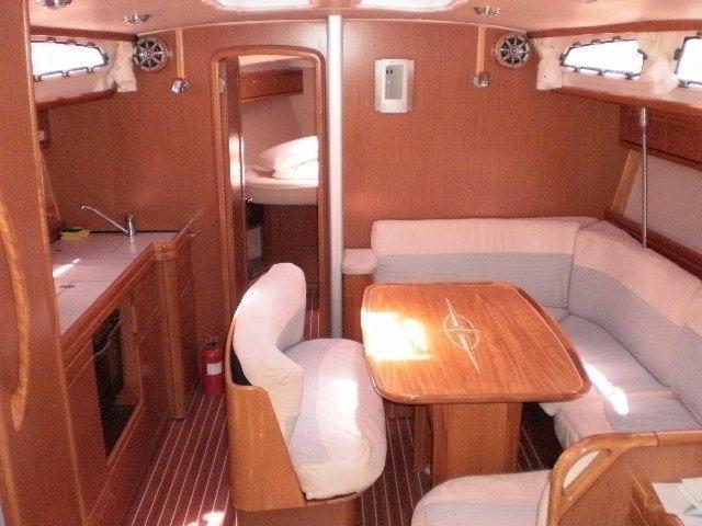 Bavaria 40 Cruiser (Santana can do) Interior image - 2