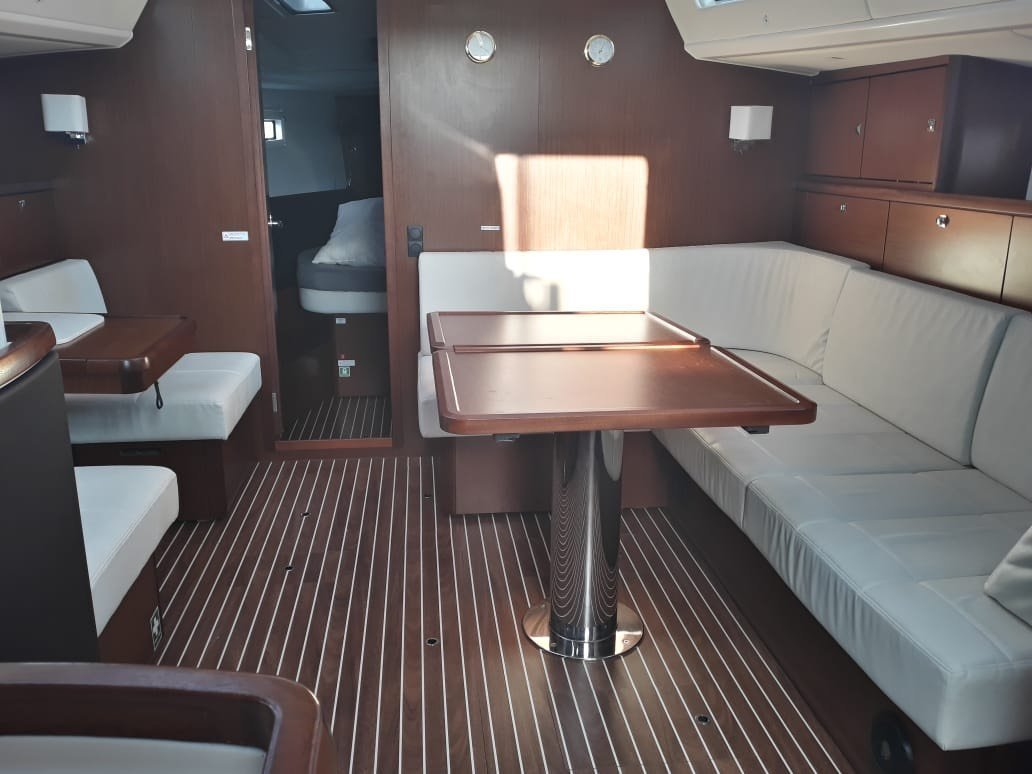 Bavaria Vision 46 Owner's Version (Ianos) Interior image - 2
