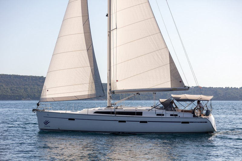 Bavaria Cruiser 51 (LUI with AC)  - 13