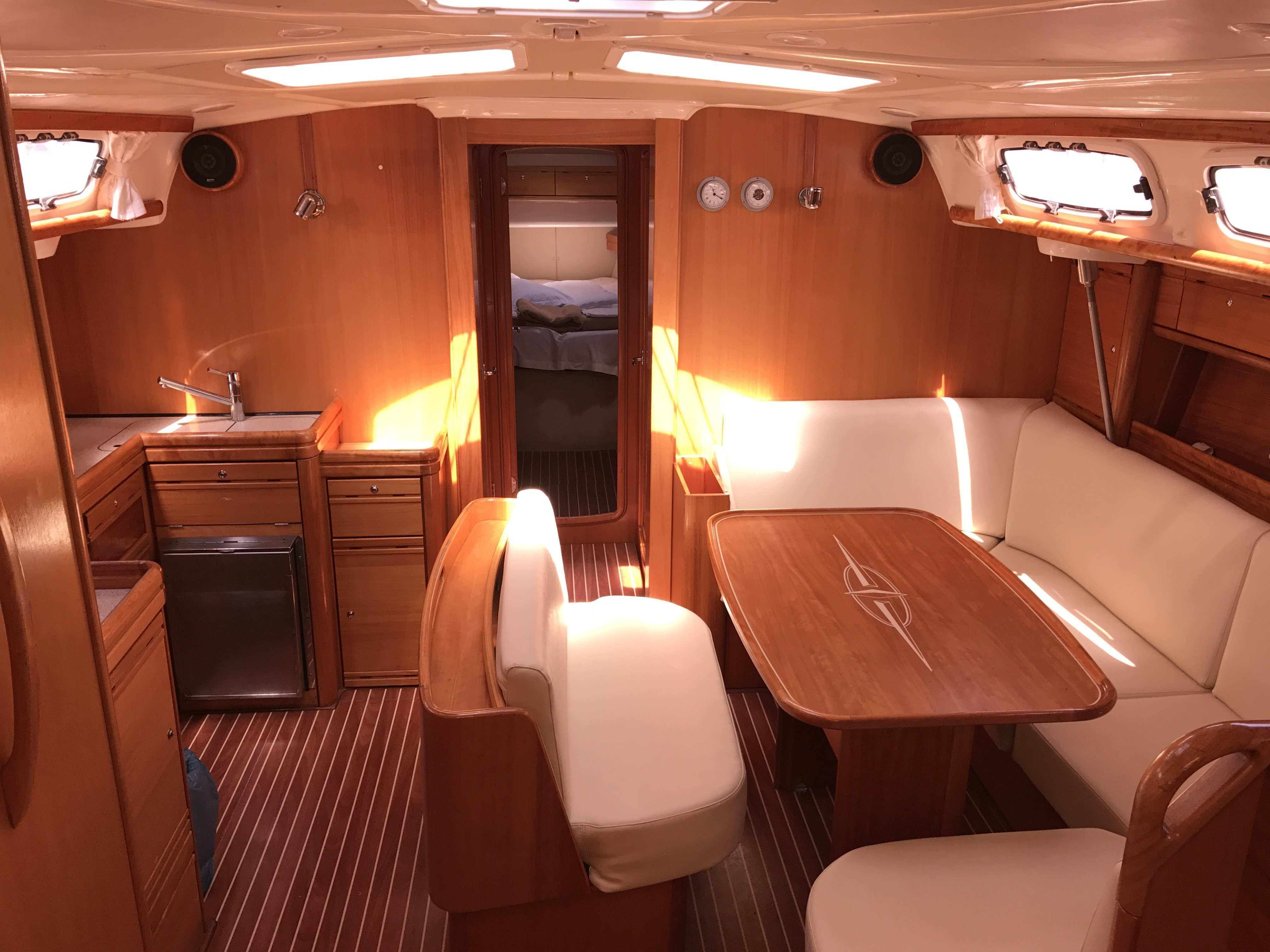 Bavaria 46 Cr (Merope) Interior image - 17