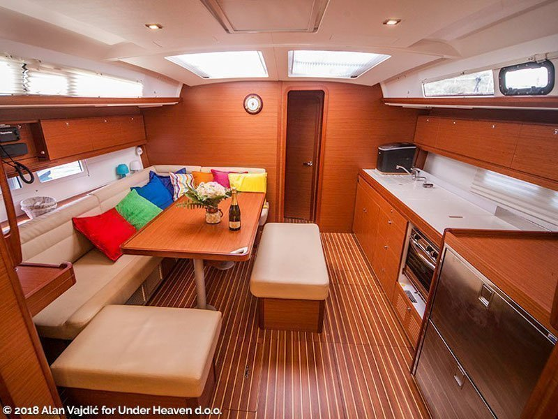 Dufour 460 Grand Large (SULACO (aircondition, generator, blue hull)) Interior image - 18