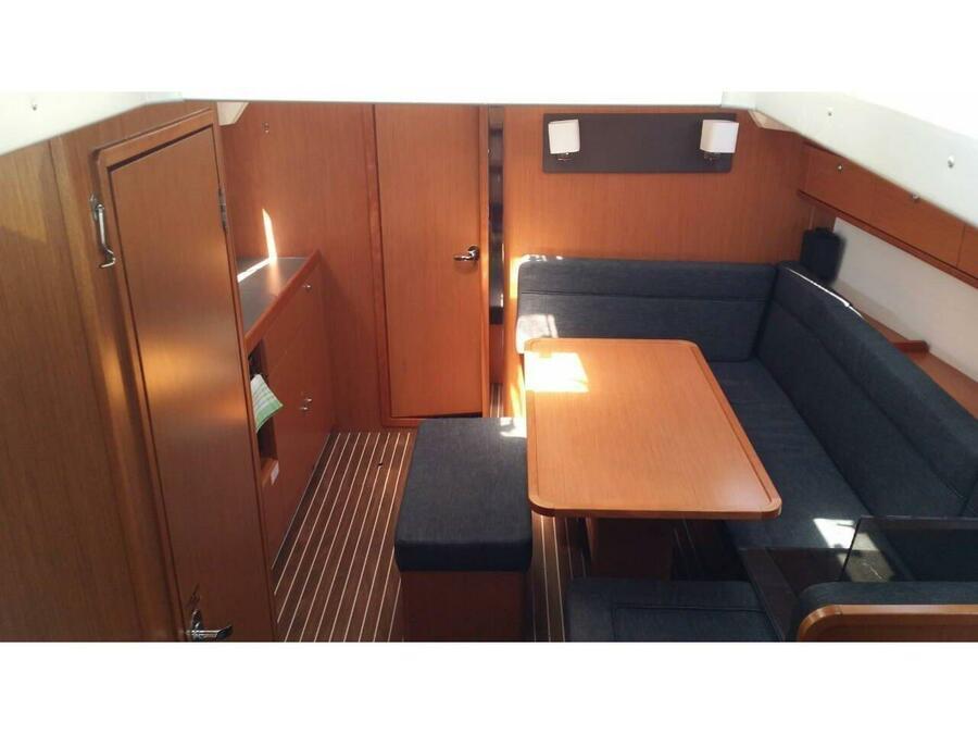 Bavaria Cruiser 41 (Amalfi) Interior image - 1