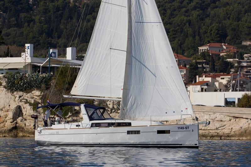 Beneteau Oceanis 35 (JEAN MICHEL)  - 4