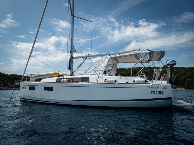 Beneteau Oceanis 35.1 (MAYA BAY 2 with AC) Main image - 0