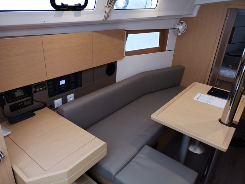 Beneteau Oceanis 35.1 (MAYA BAY 2 with AC) Interior image - 9
