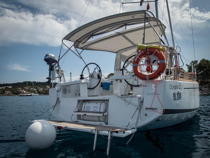Beneteau Oceanis 35.1 (MAYA BAY 2 with AC)  - 12