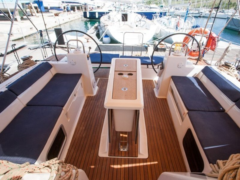Dufour 460 Grand Large (SULACO (aircondition, generator, blue hull))  - 23
