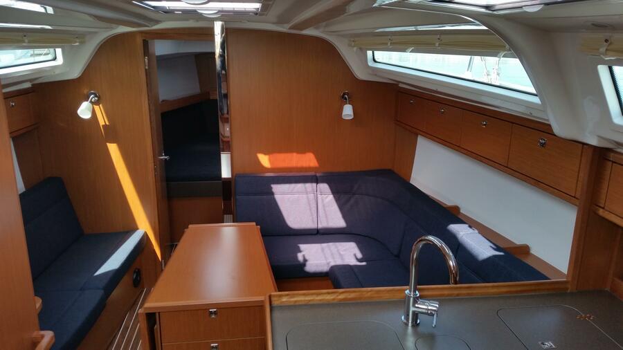 Bavaria Cruiser 37 (Mišac) Interior - 1