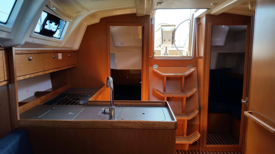 Bavaria Cruiser 37 (Mišac) Interior - 4