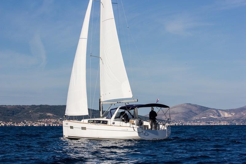Beneteau Oceanis 38 (ARSEN)  - 10