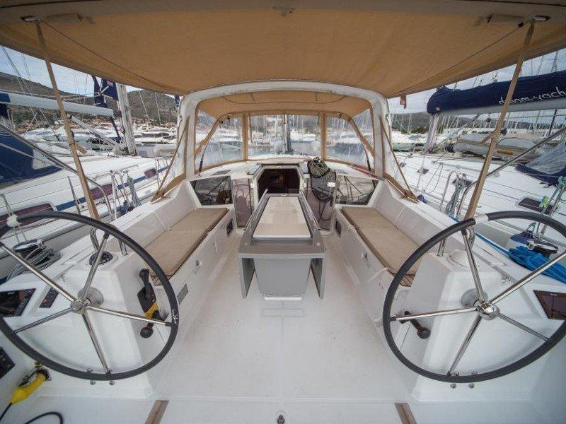 Oceanis 41.1 (Anscombe)  - 21