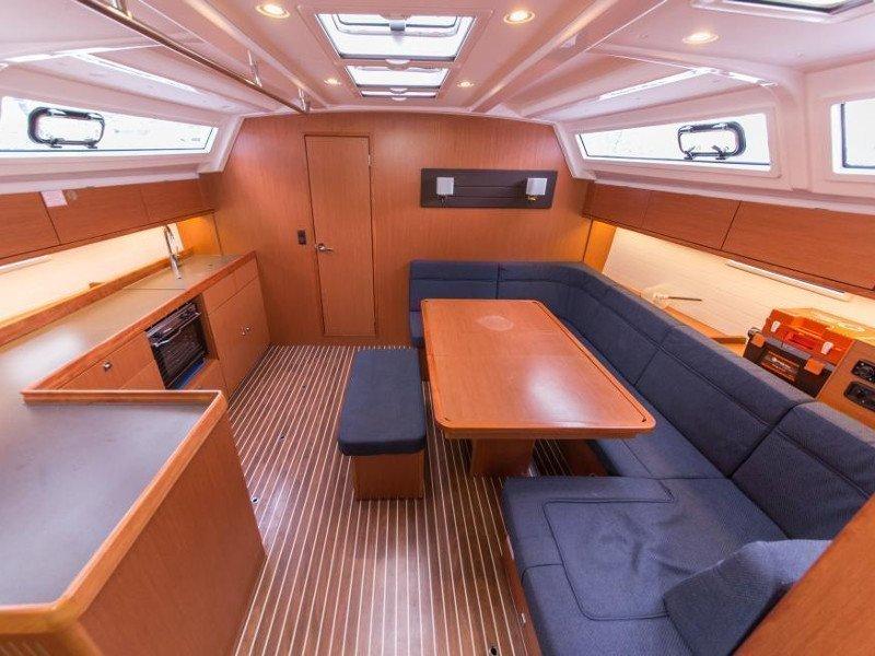 Bavaria Cruiser 46 (Curradi) Interior image - 13