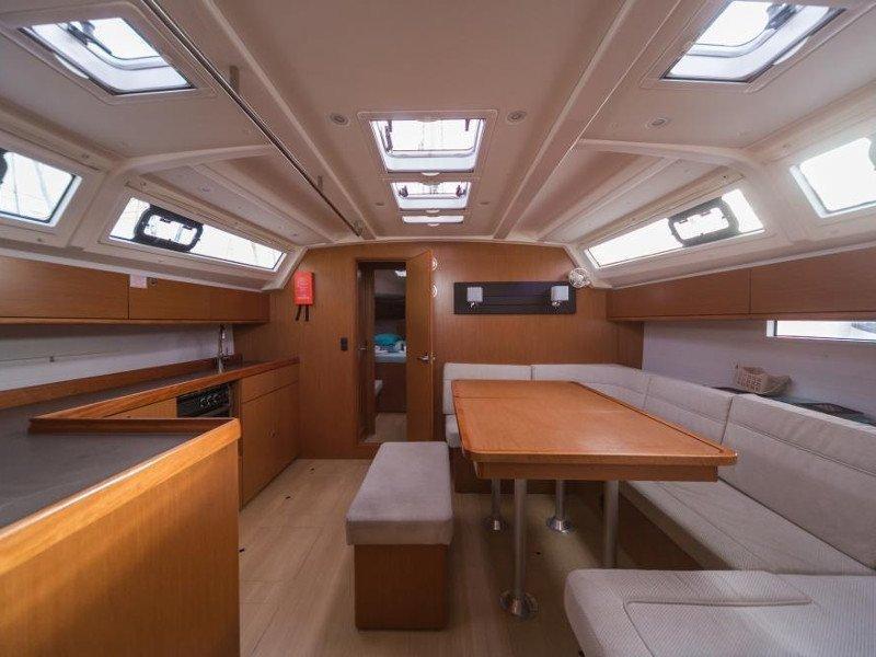 Bavaria Cruiser 46 (Gershwin) Interior image - 2