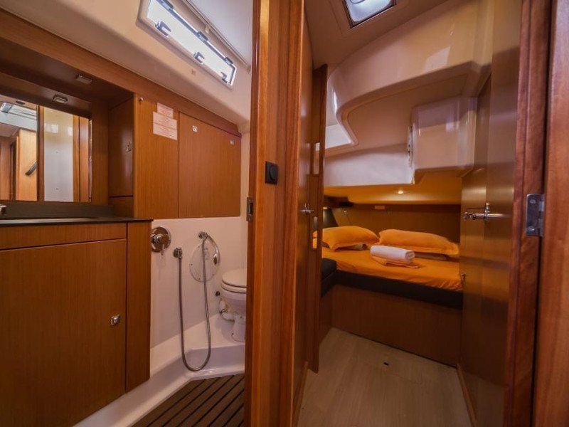 Bavaria Cruiser 56 (La Vestale)  - 1