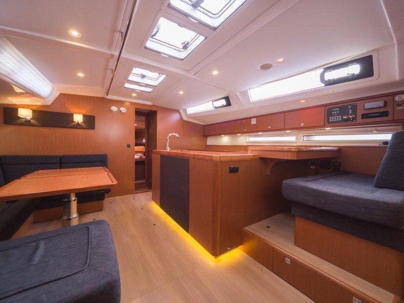 Bavaria Cruiser 56 (La Vestale)  - 23