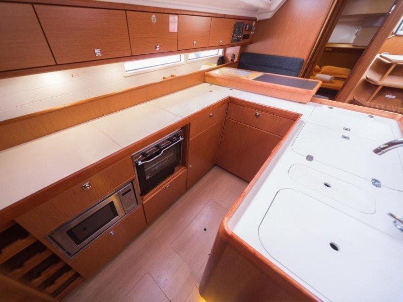 Bavaria Cruiser 56 (La Vestale)  - 28