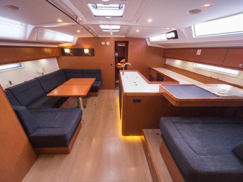 Bavaria Cruiser 56 (La Vestale) Interior image - 11
