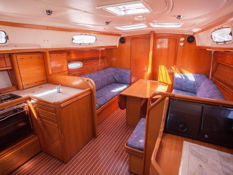 Bavaria 37 Cruiser (Veja)  - 9