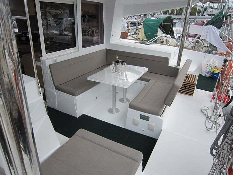Lagoon 400 S2 (Emerald Seas)  - 2