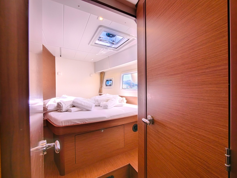 Lagoon 42 (SEA VOYAGER - CREWED)  - 2